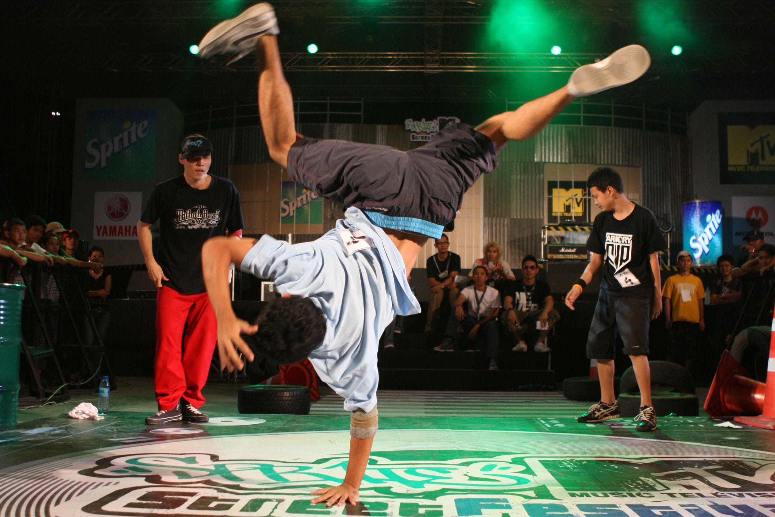 breakdance battle